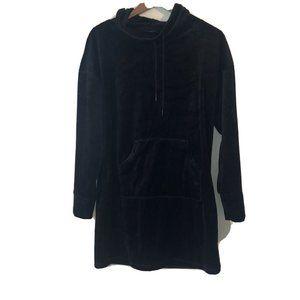 Tahari Sleerwear Black Velvet Mock Neck Long sleev